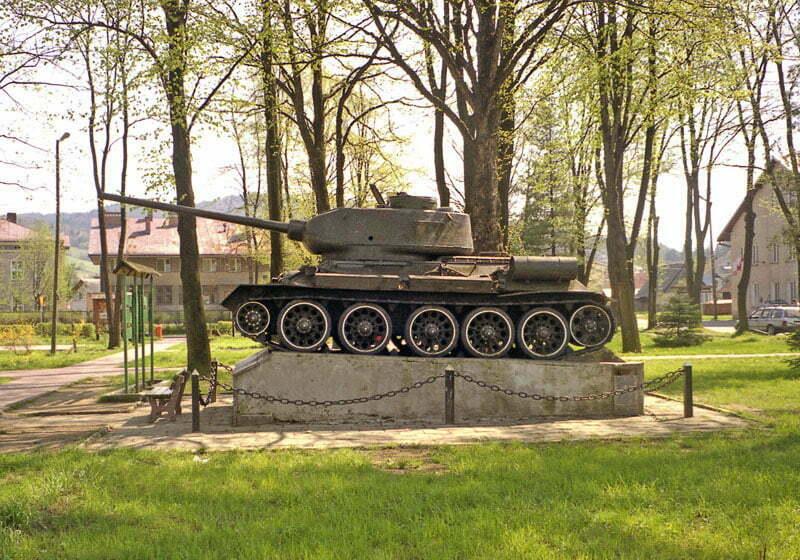 Czołg T34 w centrum Baligrodu  / fot. Wikipedia