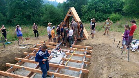 Budowa obserwatorium przebiegała w błyskawicznym tempie. Fot. Facebook