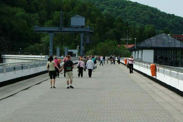 Zapora w Solinie - idealne miejsce na spacery dla całej rodziny. Fot. Marcin Jeżowski