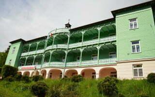 Komańcza - klasztor sióstr nazaretanek 01