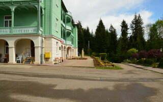 Komańcza - klasztor sióstr nazaretanek 04
