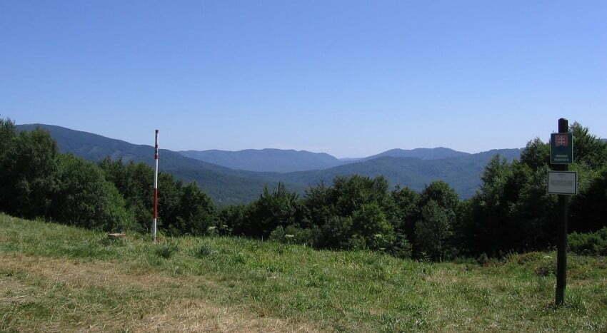 Przełęcz nad Roztokami Górnymi (widok na południe) / fot. Wikimedia Commons