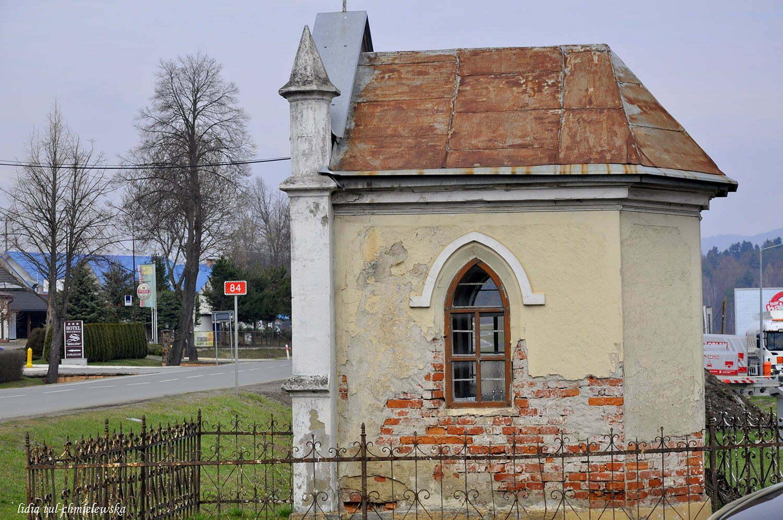 Kapliczka przy drodze do Sanoka / fot. Lidia Tul-Chmielewska