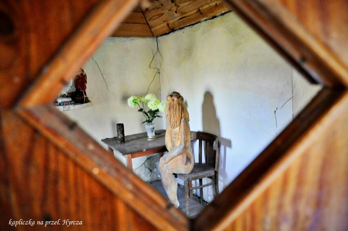 Kapliczka na Przełęczy Hyrcza / fot. Lidia Tul-Chmielewska