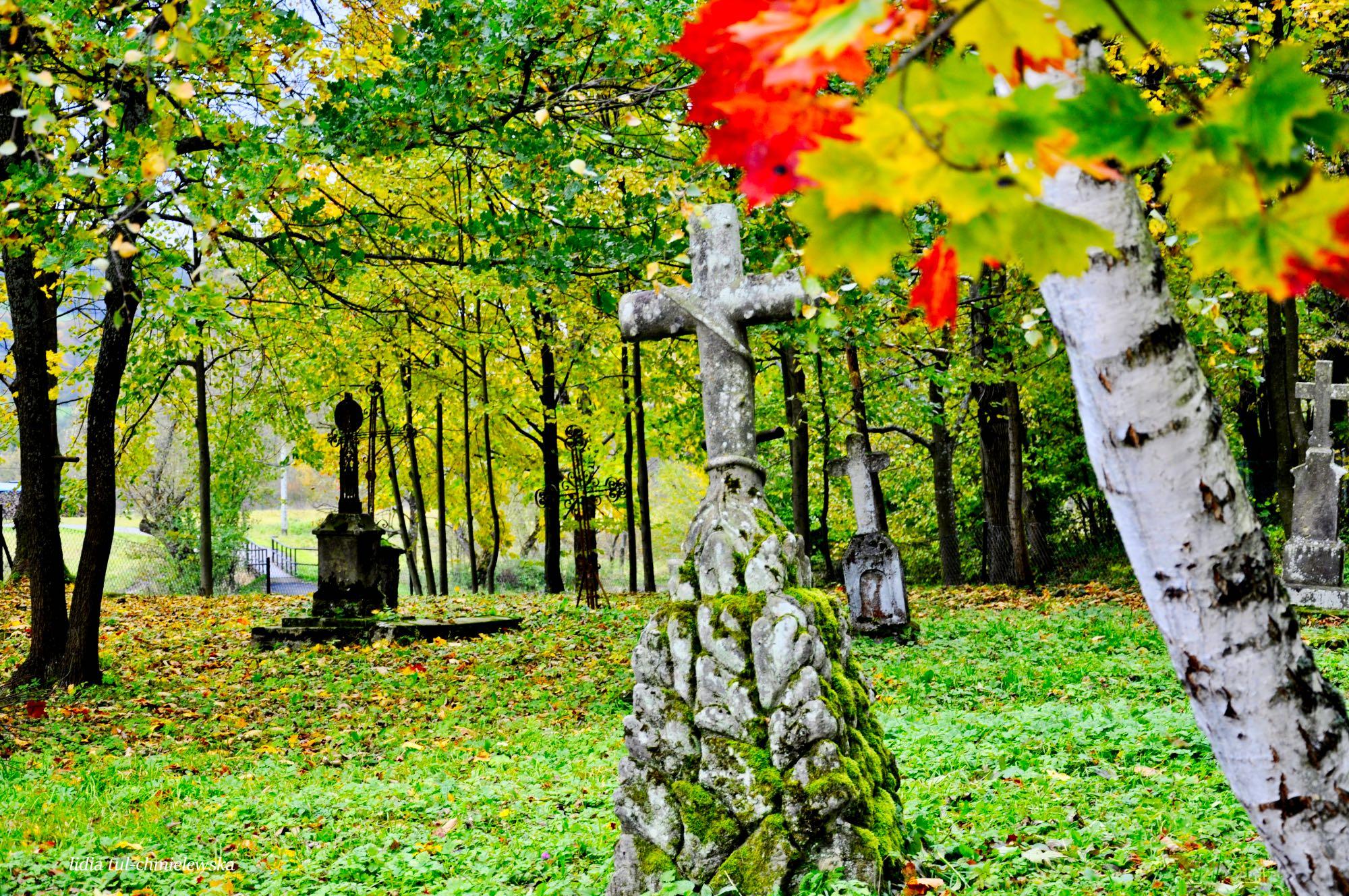Cmentarz w Bieszczadach / fot. Lidia Tul-Chmielewska