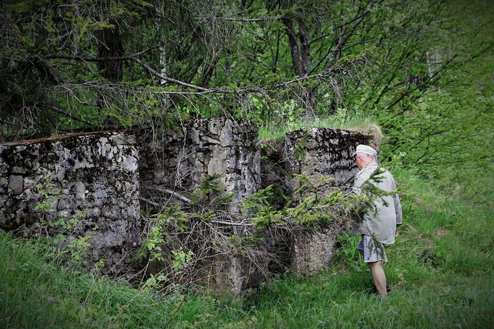 W tym bunkrze w latach 60-tych Lutek Pińczuk spędził trzy lata/ Fot. Małgorzata Mielcarek/ www.facebook.com/Luteklegendabieszczad