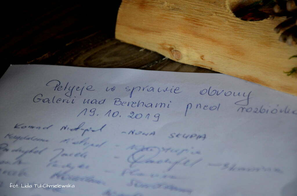 Petycja przeciwko rozbiórce Galeri nad Berehami fot. Lidia Tul-Chmielewska