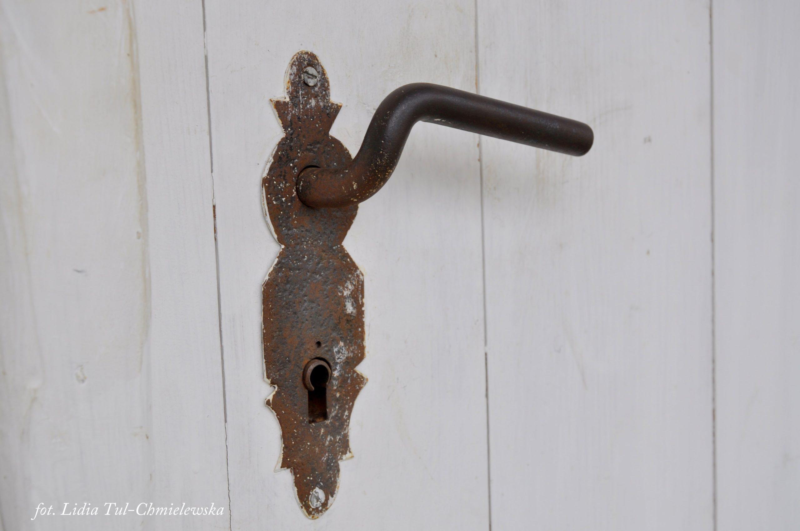 Drzwi i klamka/ fot. Lidia Tul-Chmielewska