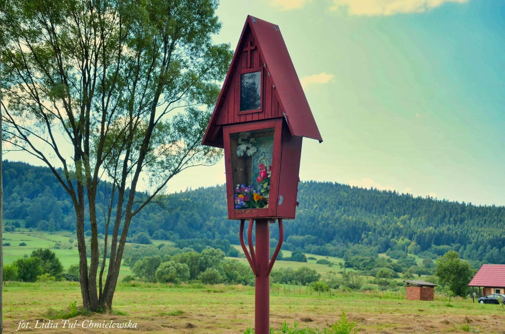 Kapliczka przy drodze, Jaśliska / fot. Lidia Tul-Chmielewska