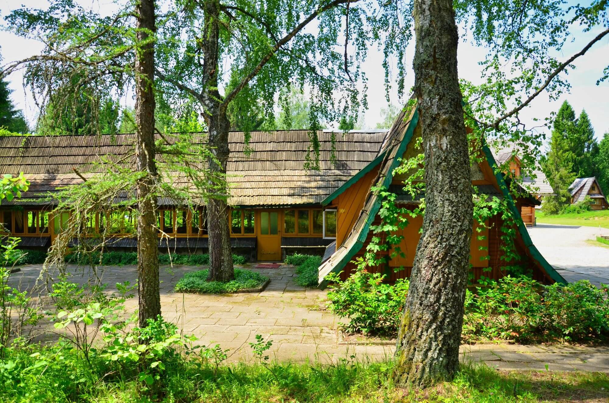 Stara stołówka na Piotrowej Polanie w Starym Siole, Wetlina