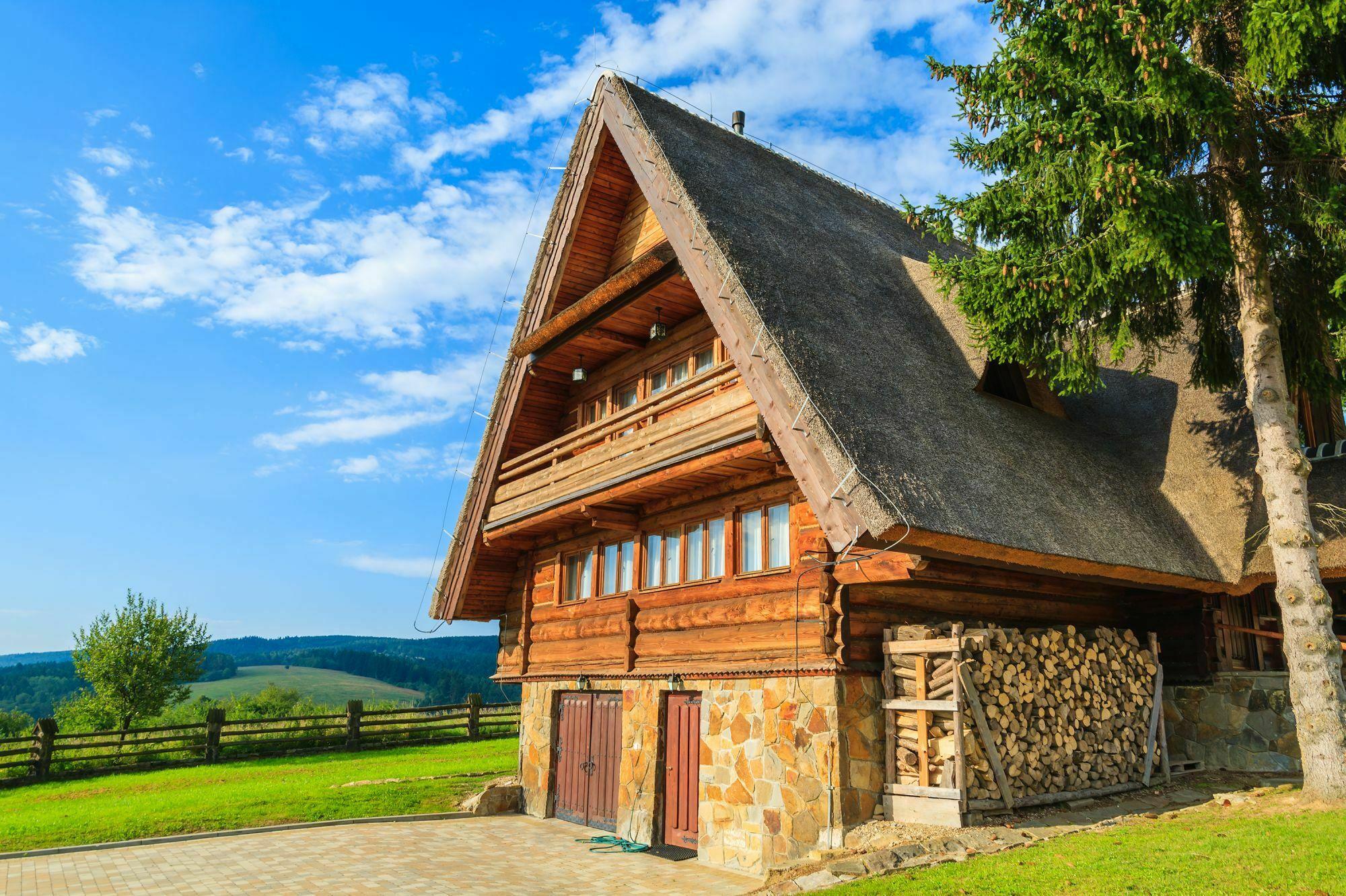 Nie na każdej działce w Bieszczadach zbudujemy duży dom / fot. shutterstock.com
