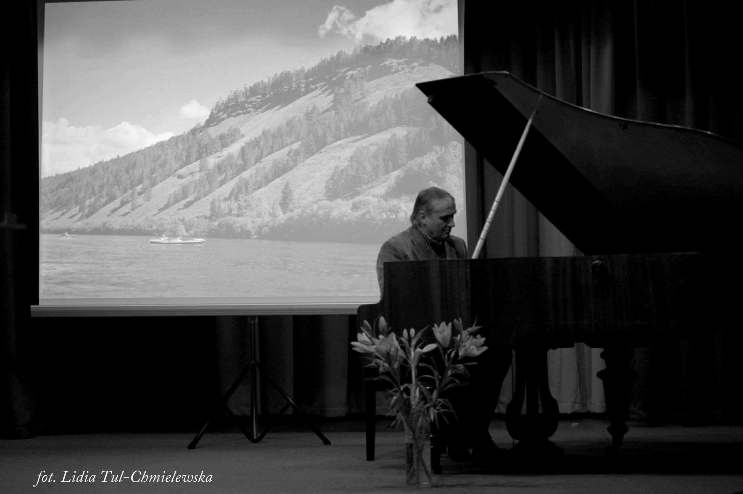 Na spotkaniach także raczył muzyką Koperski Romuald fot. Lidia Tul-Chmielewska