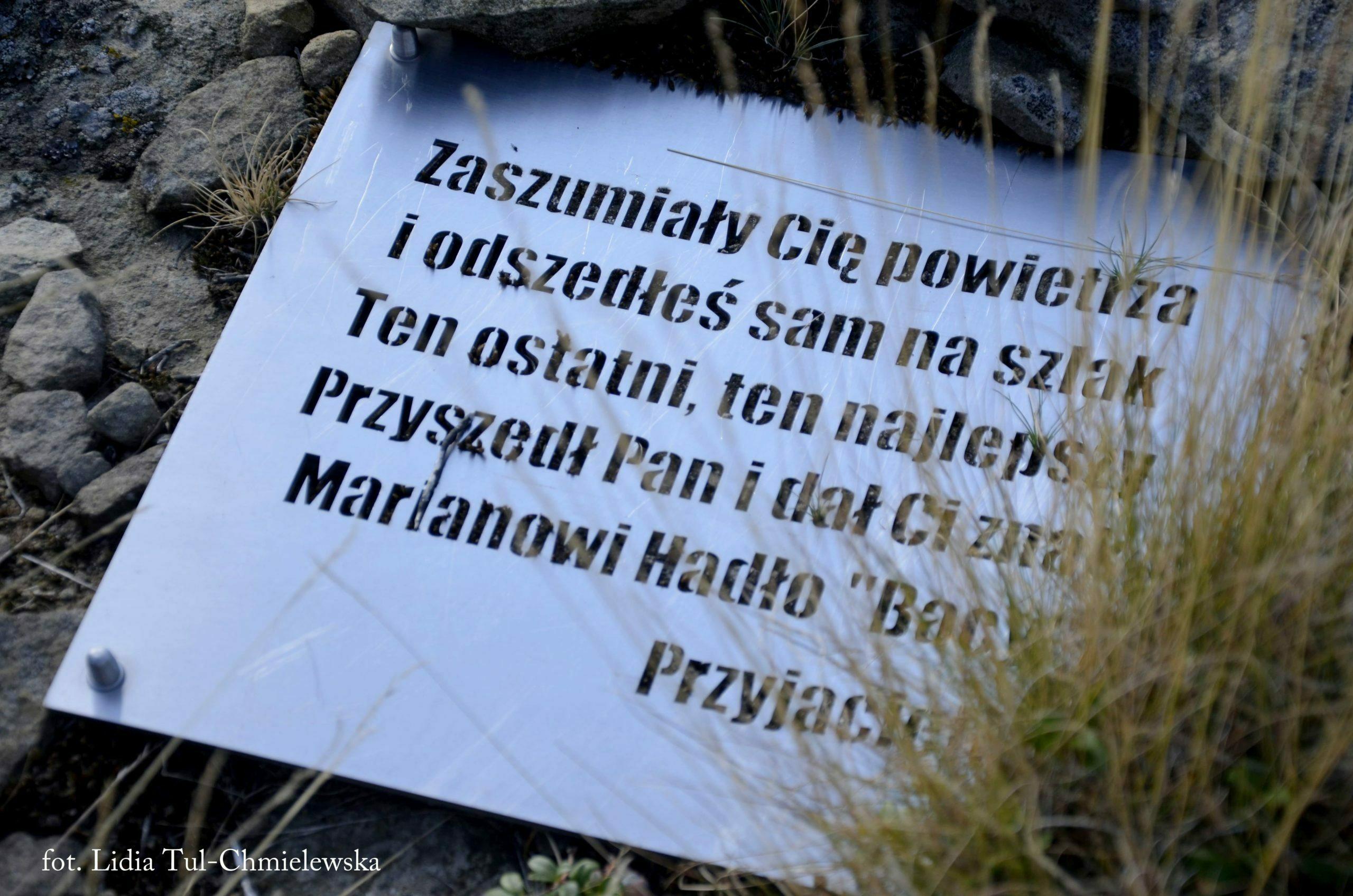 Tablica pamiątkowa na Bukowym Berdzie fot. Lidia Tul-Chmielewska